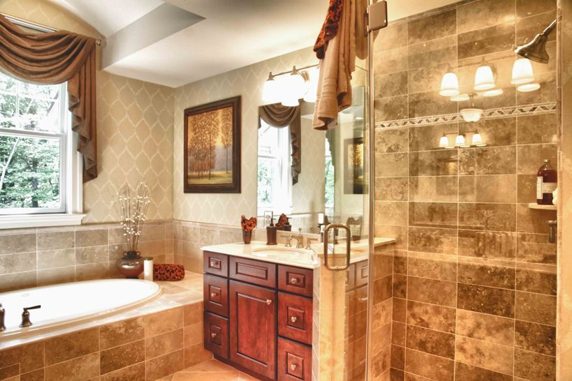 Tips for bathroom remodeling for Bathroom contractors